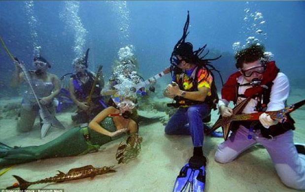 Underwater-Music-Festival